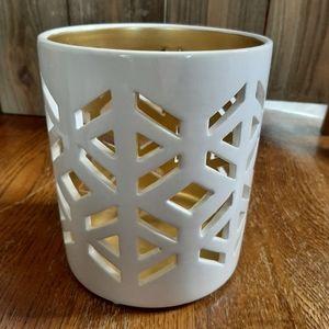 Snowflake ceramic candle holder